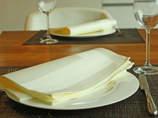 Gastronomie-Serviette sekt, mit Atlaskante 50x50cm