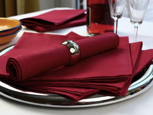 Gastronomie-Serviette bordeaux-weinrot, mit Atlaskante 50x50cm