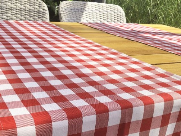 Gastronomy table runner red and white checkered, 40x130